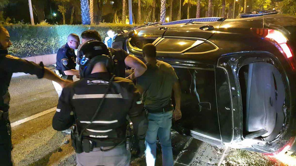Conductor intentó embestir a los policías en Kiryat Ata: 4 heridos