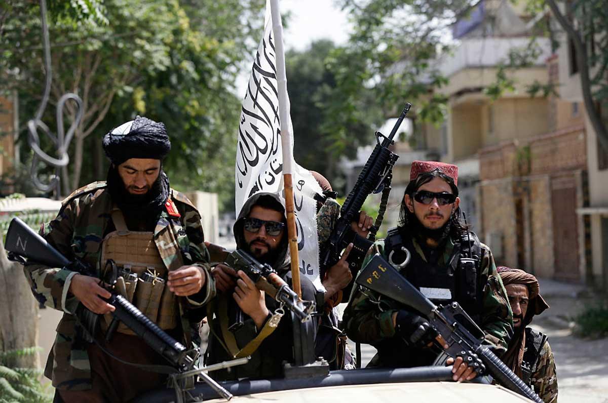 ISIS utiliza las tácticas de los talibanes para atacar a los nuevos gobernantes de Afganistán