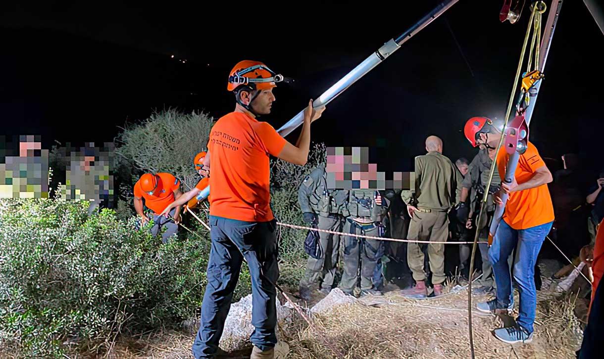 Rescatan a un soldado de las FDI que cayó a un pozo de 20 metros