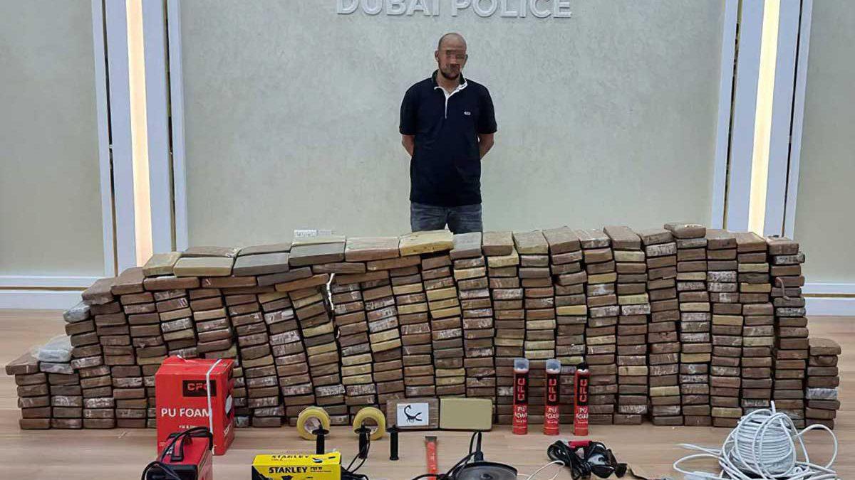 """Policía de Dubái incauta de 500 kg de cocaína en """"la mayor redada de drogas de la región"""""""
