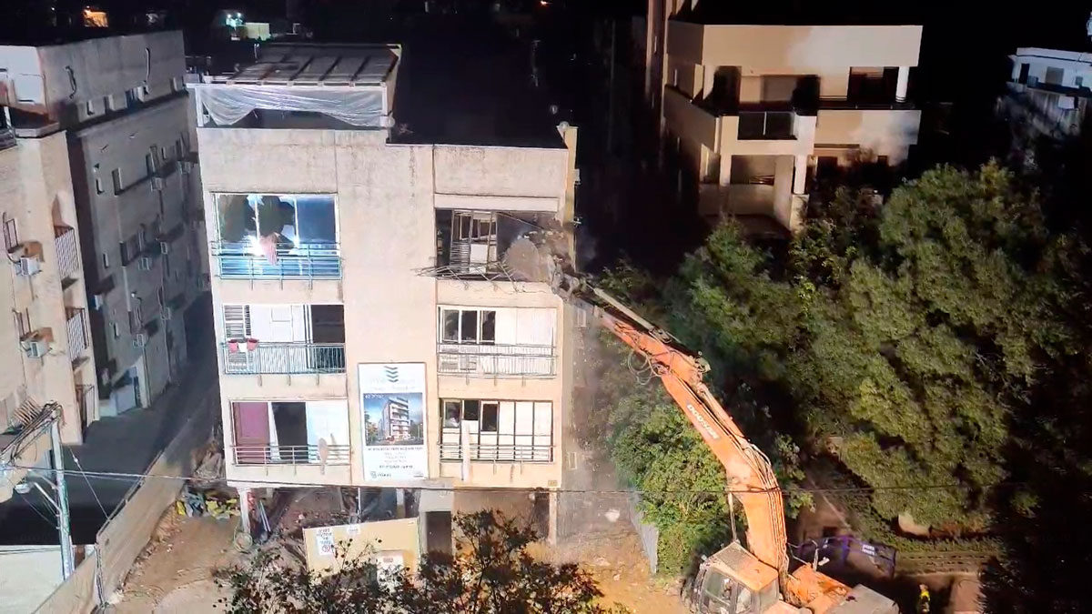 Edificio de apartamentos en Ra'anana demolido en medio de temores de derrumbe