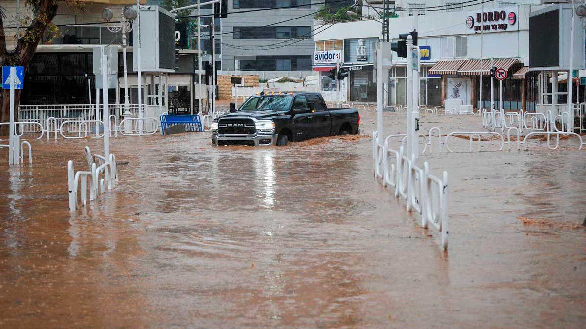 El clima invernal en Israel plantea riesgos de inundaciones