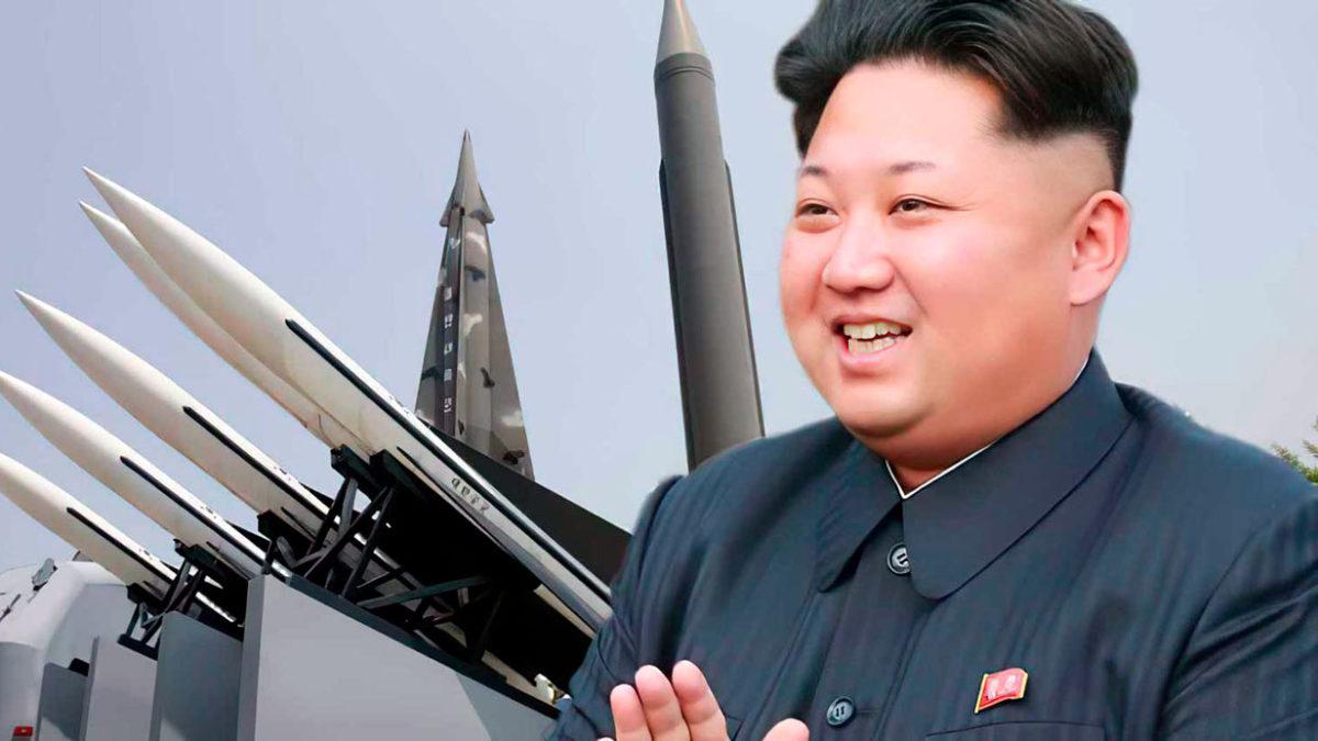 """Kim Jong Un promete construir un ejército norcoreano """"invencible"""""""