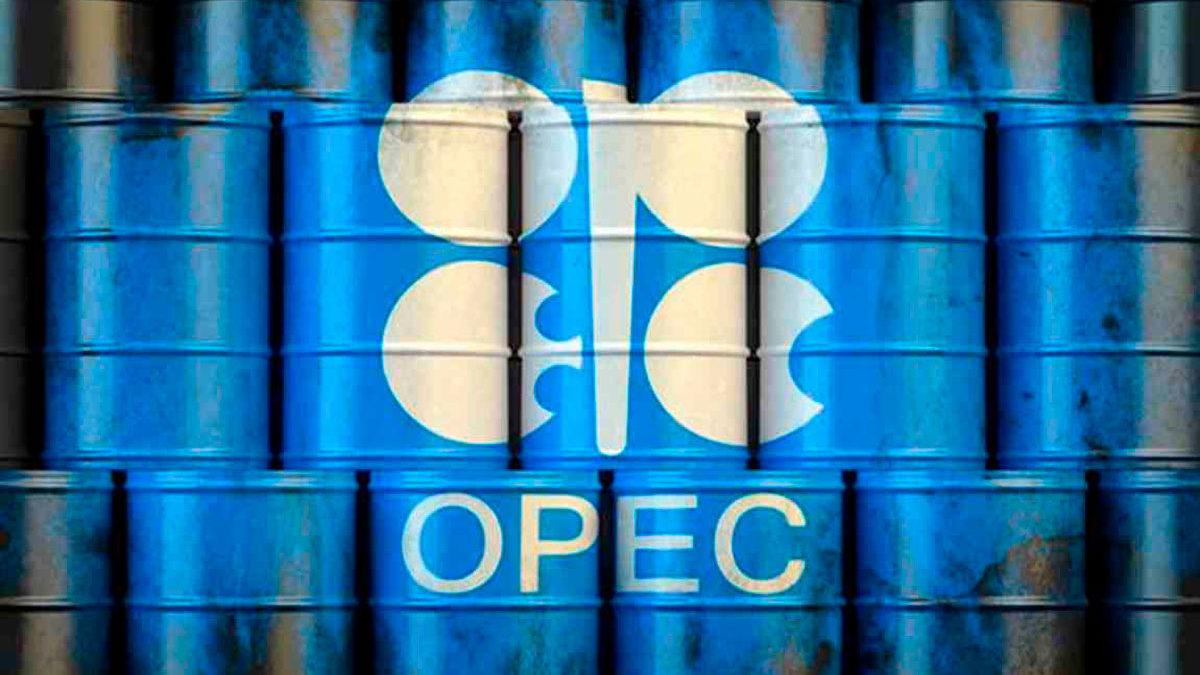 La OPEP+ analiza opciones para introducir más petróleo en el mercado