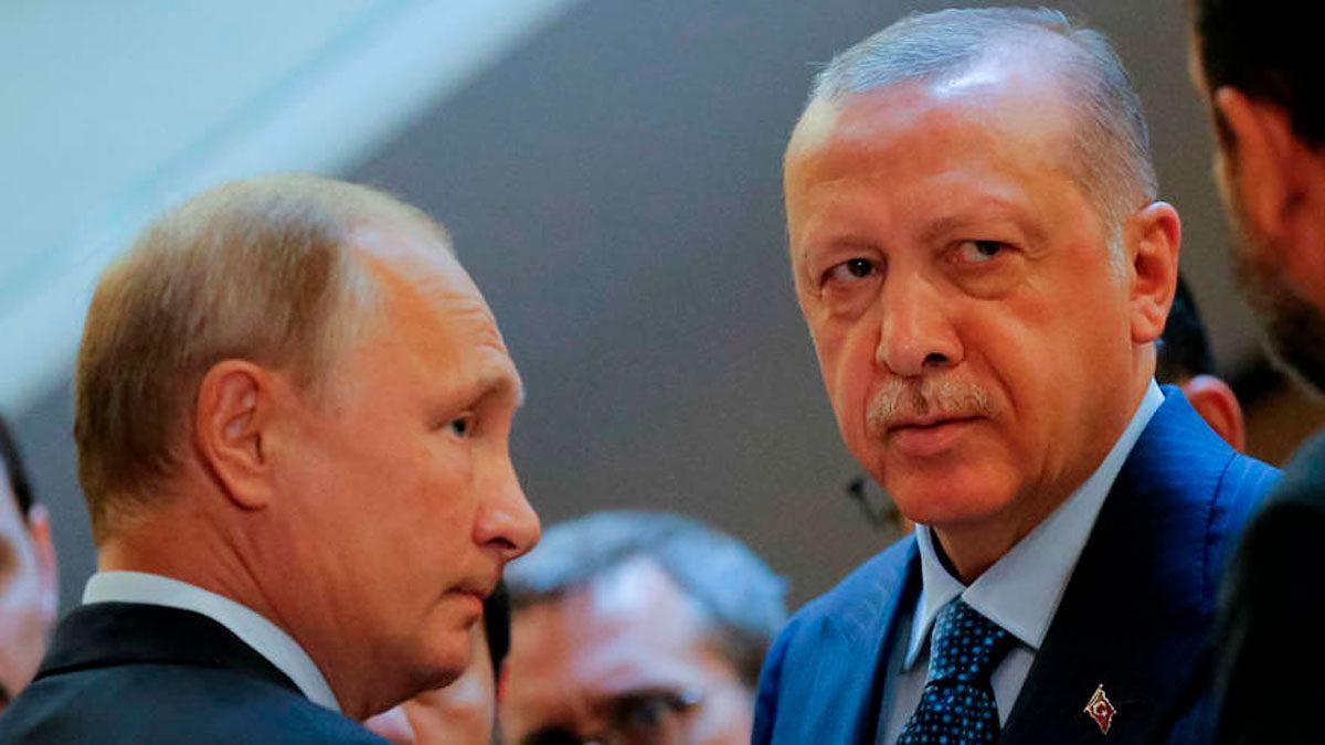 Turquía avanza en la delgada línea de los lazos con Rusia y Ucrania