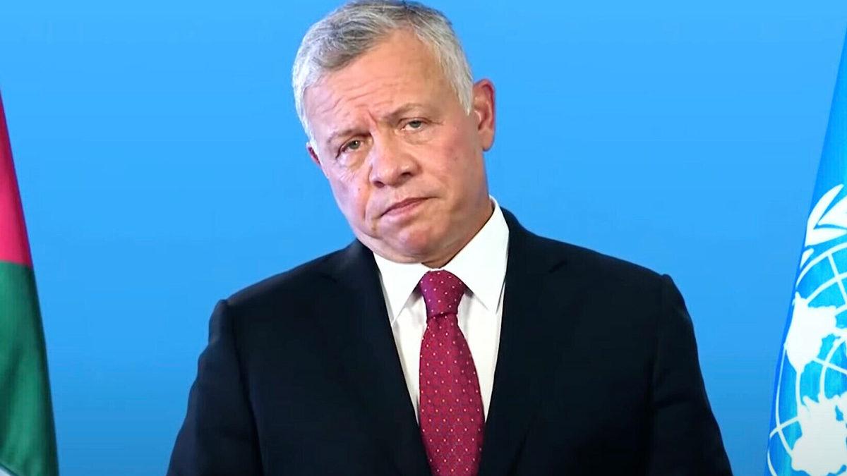 El rey Jordania niega haber actuado mal al comprar viviendas de lujo