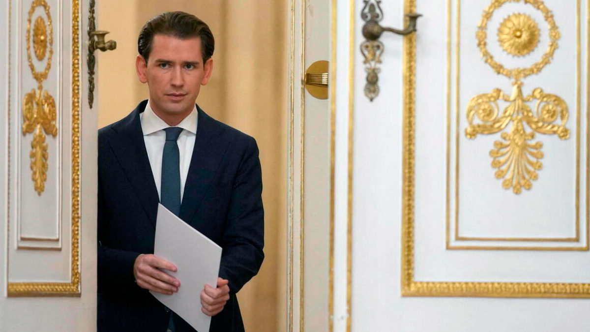 Investigado por corrupción, Sebastian Kurz dimite como canciller de Austria
