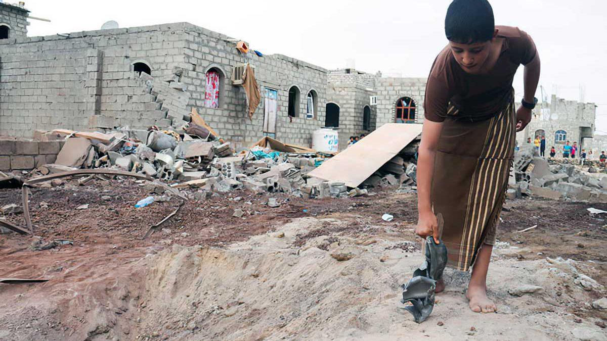 Hutíes matan a más de tres docenas de civiles desplazados en Marib