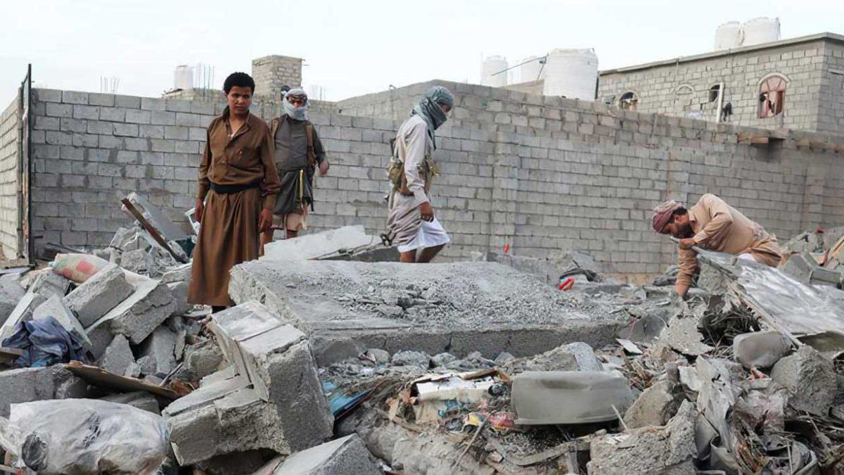 Miles de yemeníes en un distrito asediado por los hutíes corren el riesgo de morir de hambre