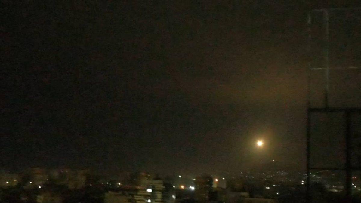 Ataque aéreo de Israel en el centro de Siria: 1 muerto y tres heridos