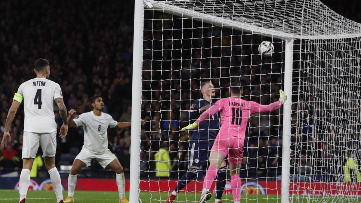 Escocia derrota a Israel por 3-2 en el minuto 93 de partido crucial para clasificar al mundial