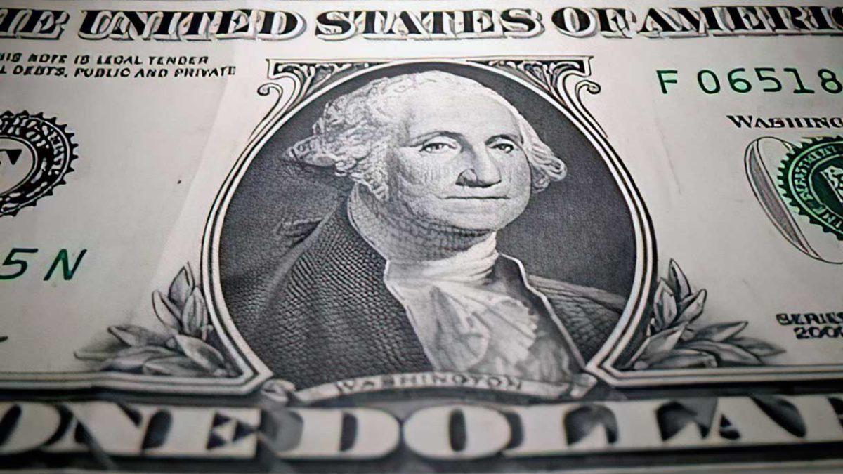 El dólar atrae flujos de refugio y se dispara frente al yen