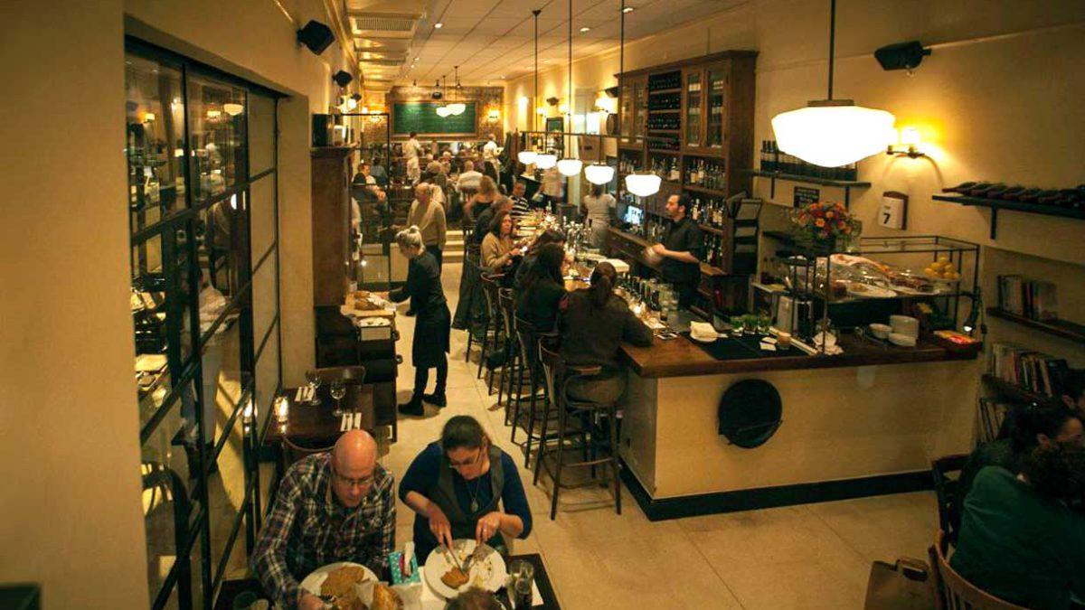 Pase verde anulado en restaurantes y espacios abiertos