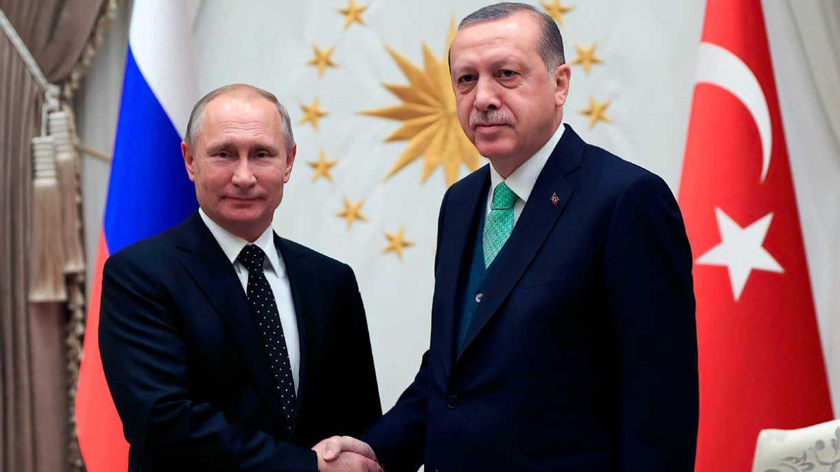 Turquía y Rusia discuten sobre cooperación en cazas y submarinos