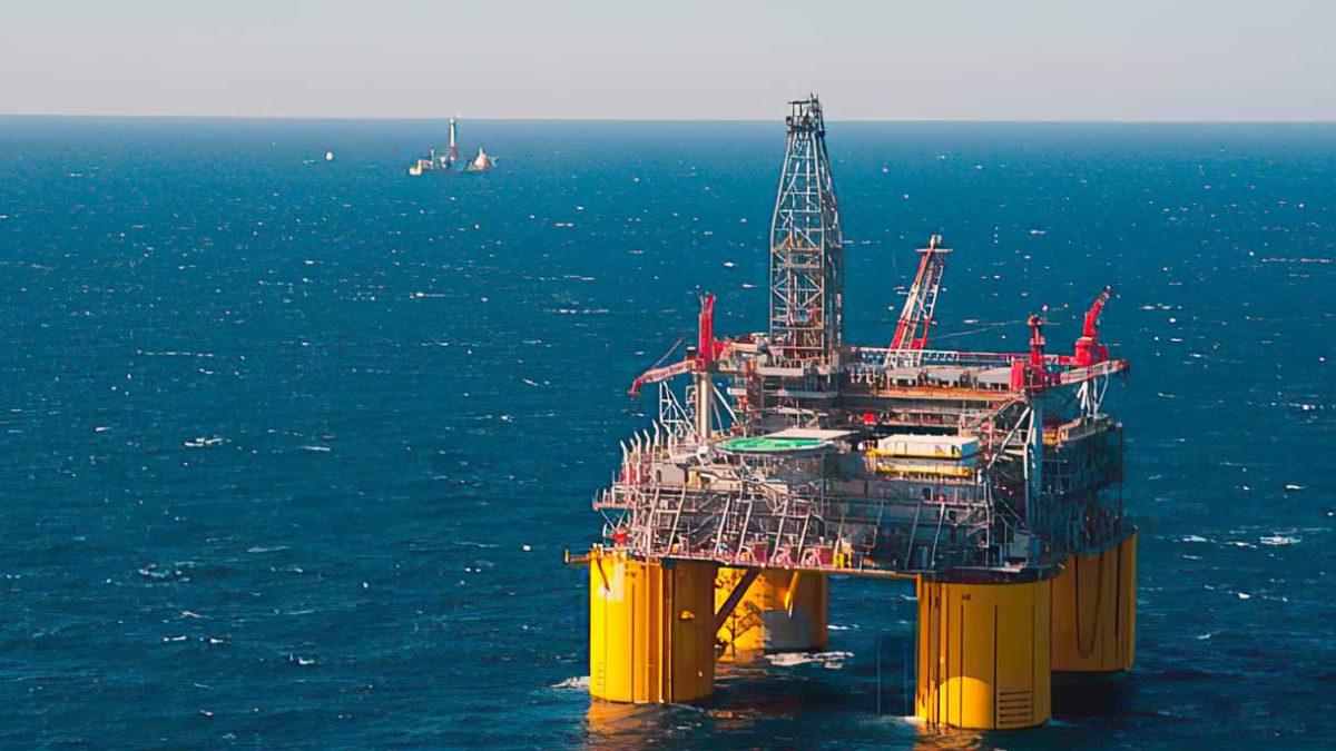 Shell advierte de un golpe de $400 millones por el huracán Ida